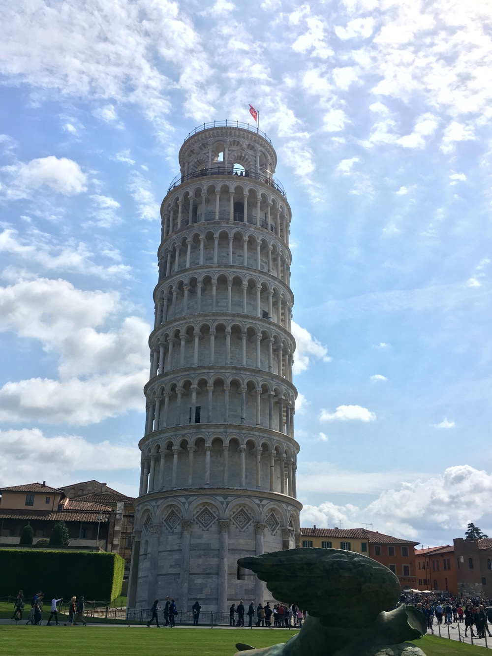 La Torre per festeggiare la conclusione di ogni stesura