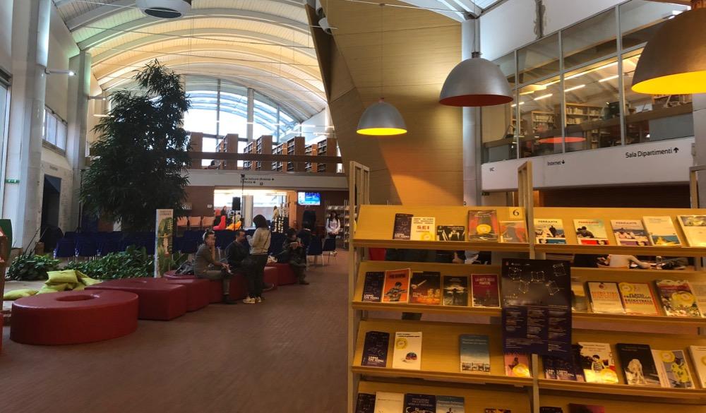 Interno-di-una-biblioteca-Pistoia.jpg