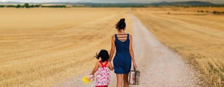 Un racconto da leggere. Dopo diciott'anni scopre di essere stata adottata…